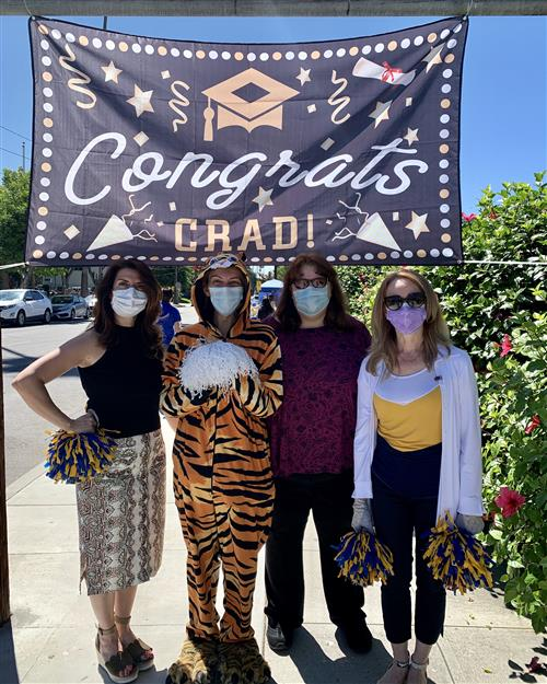 6th Grade Teachers and Our Tiger!