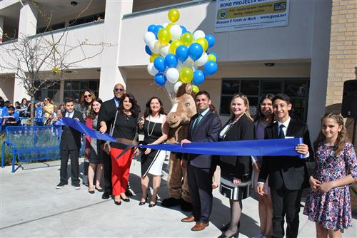 Muir Ribbon Cutting
